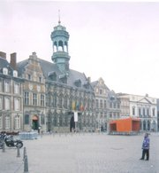 The central square and town hall of Mons