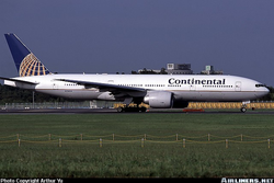 Continental Airlines 777 at Narita International Airport, taken by Arthur Yu