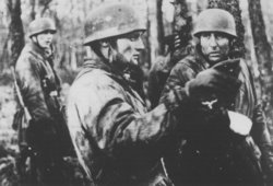 Colonel  on the right, with Lieutenant Bruno von Kayser in centre, during the Operation St�sser