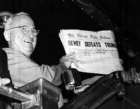 famous photograph of Truman grinning and holding up a copy of the newspaper with the erroneous headline
