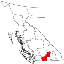 The regional districts that comprise the Okanagan are shown in red.
