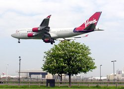 Virgin Atlantic Boeing 747-400, a few seconds from landing at London (Heathrow) Airport